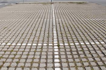Græsarmering på parkeringsplads