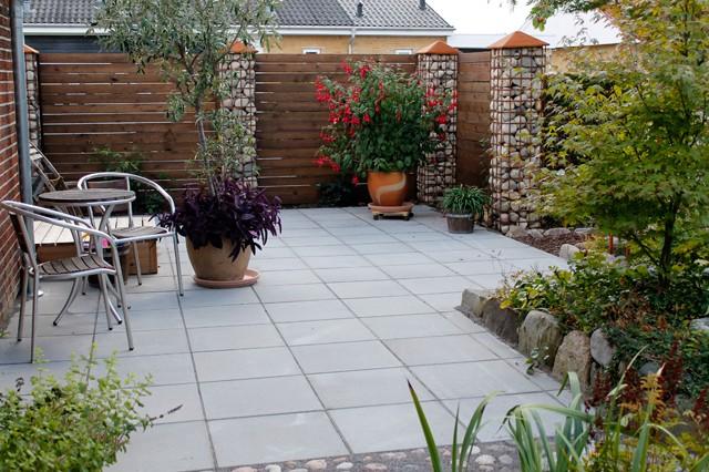 Hvordan laver jeg en terrasse?   anlæg en stabil terrasse