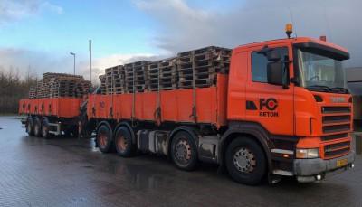FC Beton lastbilen leverer belægningssten, havefliser, fundablokke, lecablokke mm