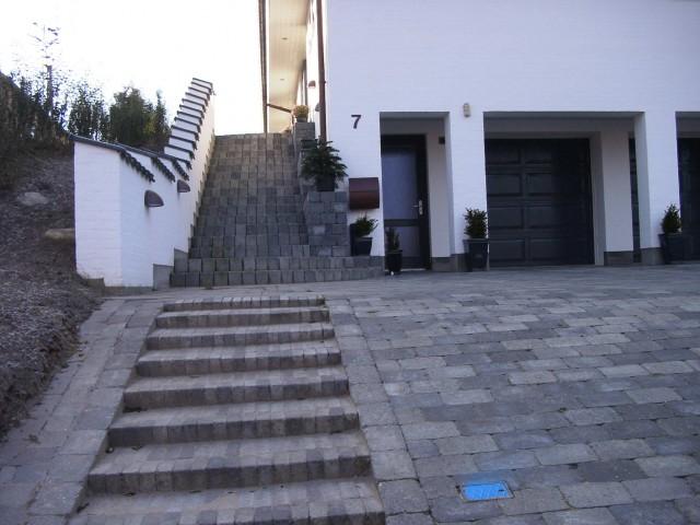 rund trappe i herregårdssten